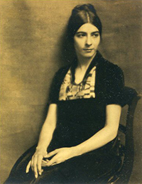 Ilonka Karasz seated portrait.jpg