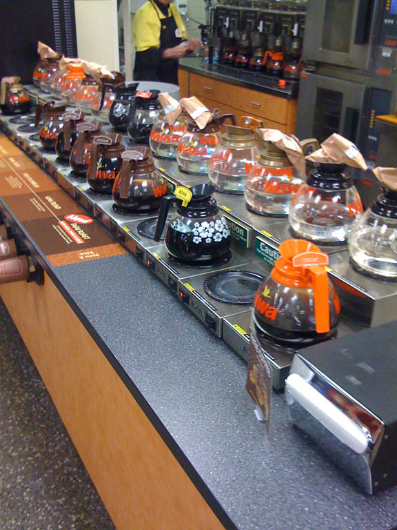 A Wawa Coffee Bar Counter With Different Flavors Staple Of Stores For Years The Glass Carafes Were Replaced Dispensers Around 2010