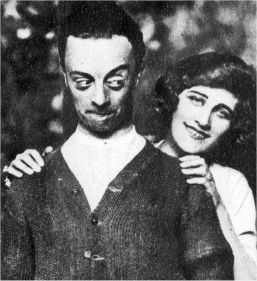 Leslie Henson, Holloway's early mentor, with Phyllis Dare in 1919 Kissing-time-12.jpg