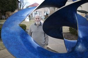 Robert Engman American sculptor