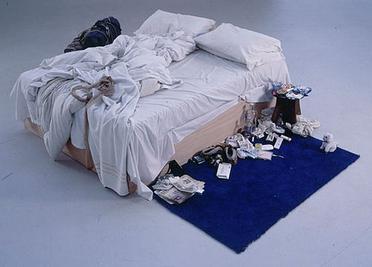 La cama de Tracey, medias, condones usados, etc
