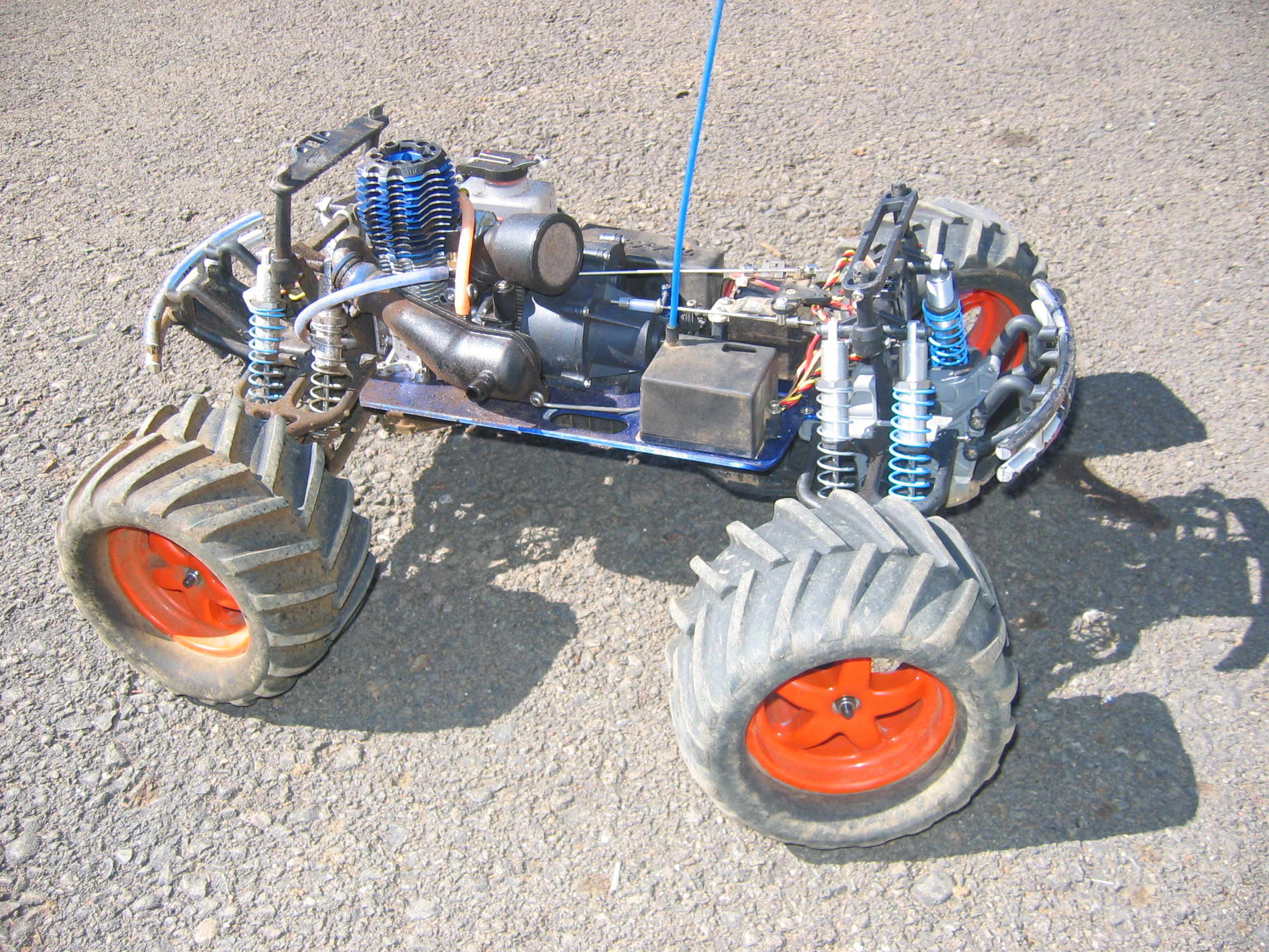 File Traxxas T Maxx No Body Triddle Jpg Wikipedia