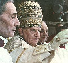 Pope John XXIII's coronation on 4 November 1958. He was crowned wearing the 1877 Palatine Tiara. Johnxxiii-color-tiara-sm.jpg