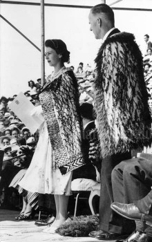 Queen Elizabeth II wore a korowai (woven Māori cloak) during her first tour of New Zealand in 1953–54.