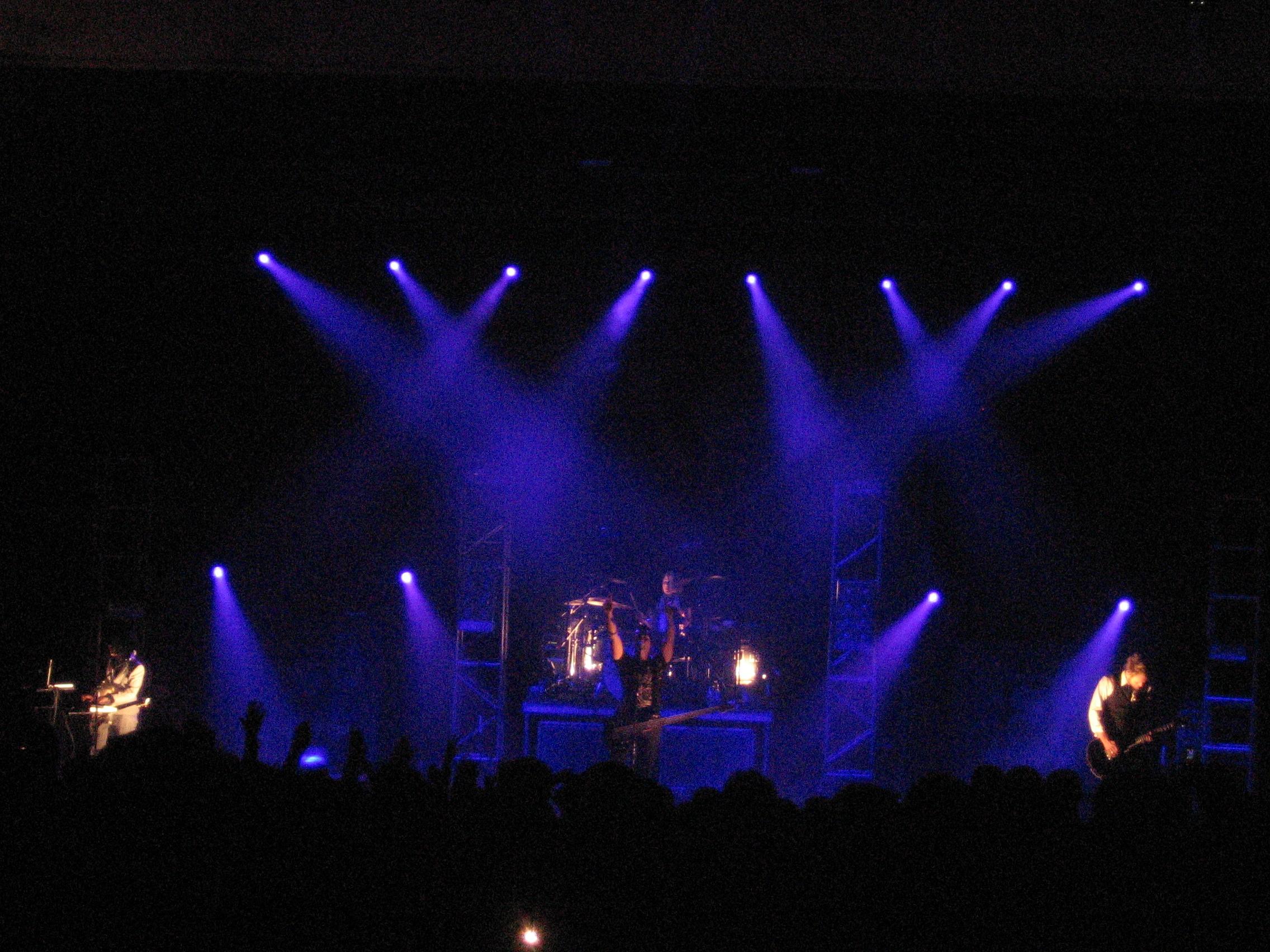 File:Skillet Live.JPG ...