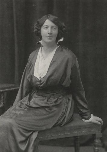 File:Berta Ruck by Walter Stoneman (1916).jpg