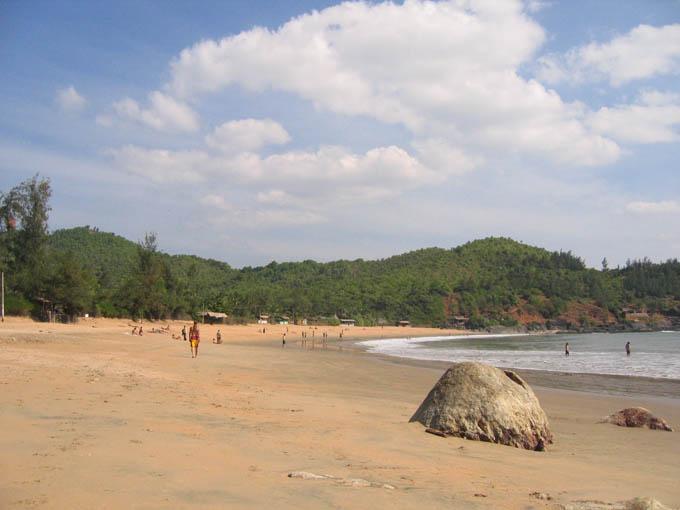 Gokarna India  City new picture : Om Beach Gokarna India Wikipedia, the free encyclopedia