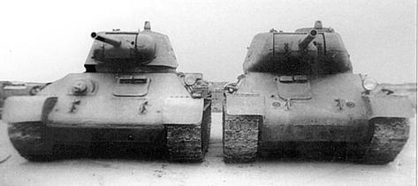 The T-34 model 1942 (left) and T-43 (right) side to side. The T-43 was a heavier derivative of the T-34, with the aim to replace both the KV-1 and the T-34.