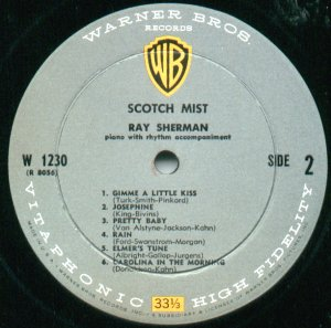 The grey, black, white and yellow label design used for Warner Bros. mono albums from 1958 to 1964 when it switched to the same gold label as the stereo version. WBR greyyellow.jpg