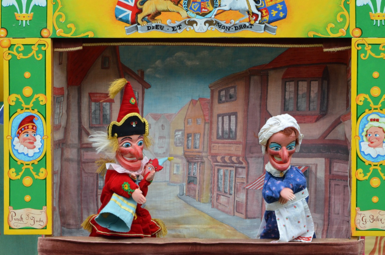 Punch and Judy taken in Islington north London. & Punch and Judy - Wikipedia