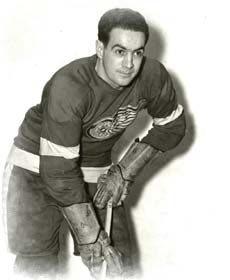 Hockey player Joe Carveth.jpg