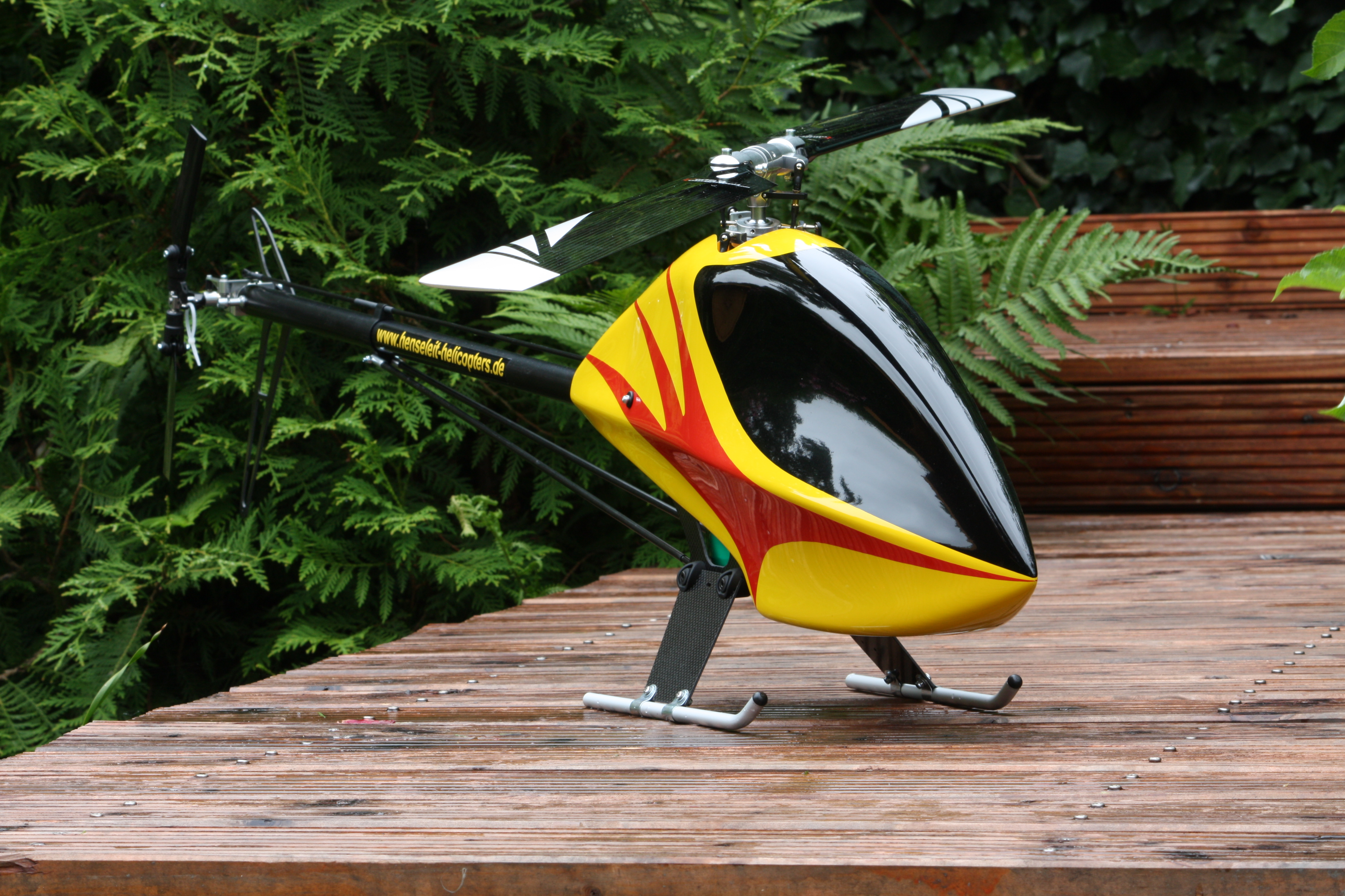 mini rc heli with File Tdr Yellow2 on 450 X Rtf Blh1900 additionally Archivo MQ 9 Reaper in flight  2007 furthermore 32737196233 besides P Spionage Kamera also File TDR Yellow2.