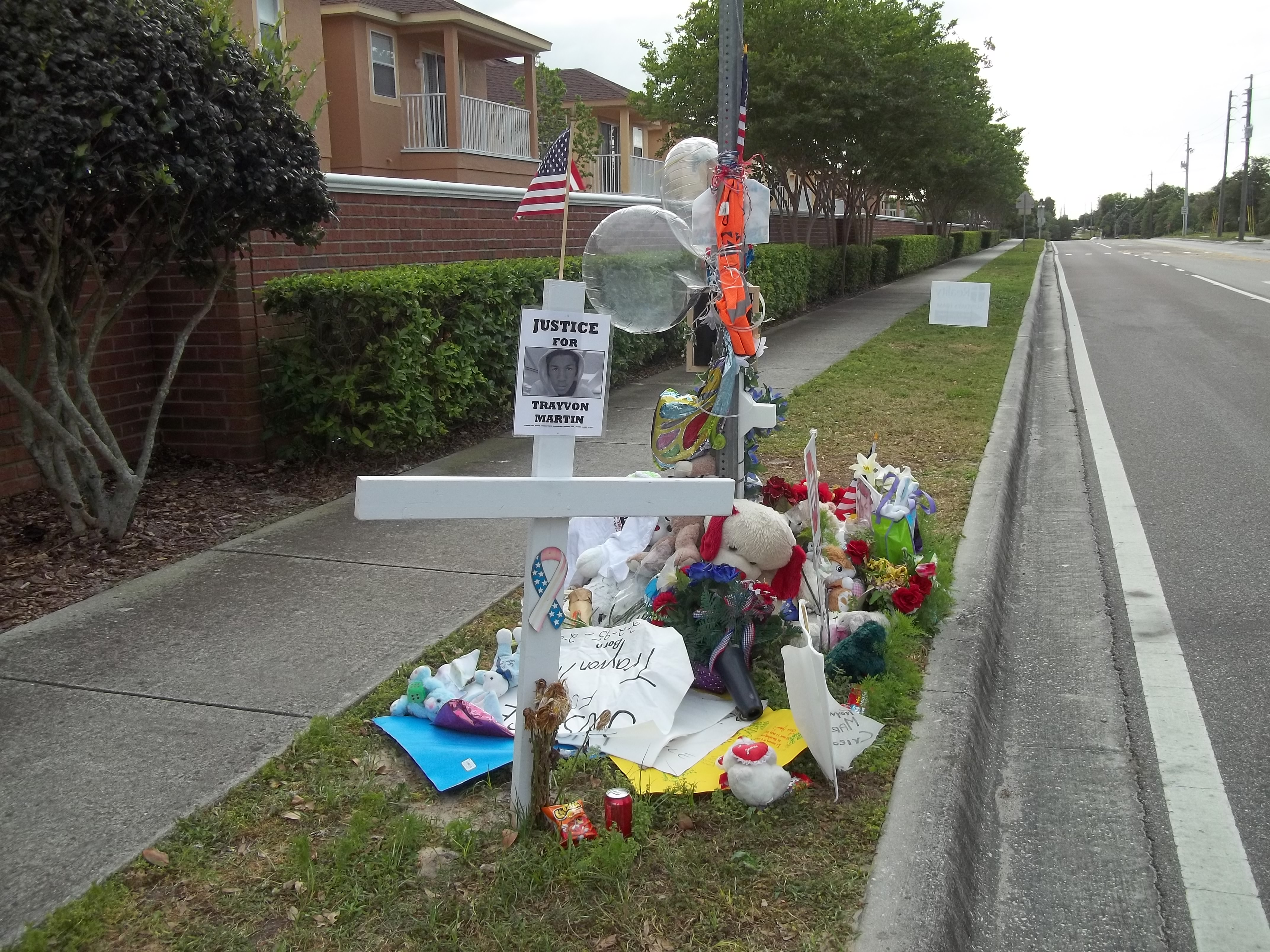 File:Trayvon Martin Memorial.jpeg - Wikipedia