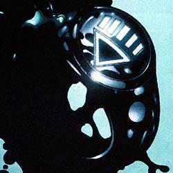 <img:http://upload.wikimedia.org/wikipedia/en/b/b9/Black_Lantern_power_ring.jpg>