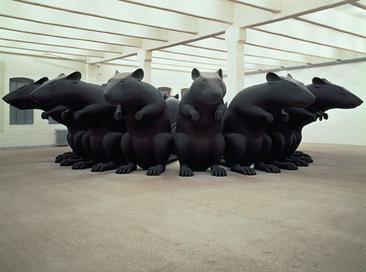 Katharina Fritsch, Rat King, 1993, polyester and paint, 110 x 512 inches. Rat King.jpg