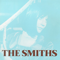 Cubra la imagen de la canción There Is a Light That Never Goes Out por The Smiths