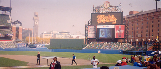 OPACY_disguised_as_Cleveland_Stadium,_ML
