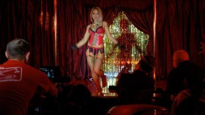 Free downlode hot beach girl video