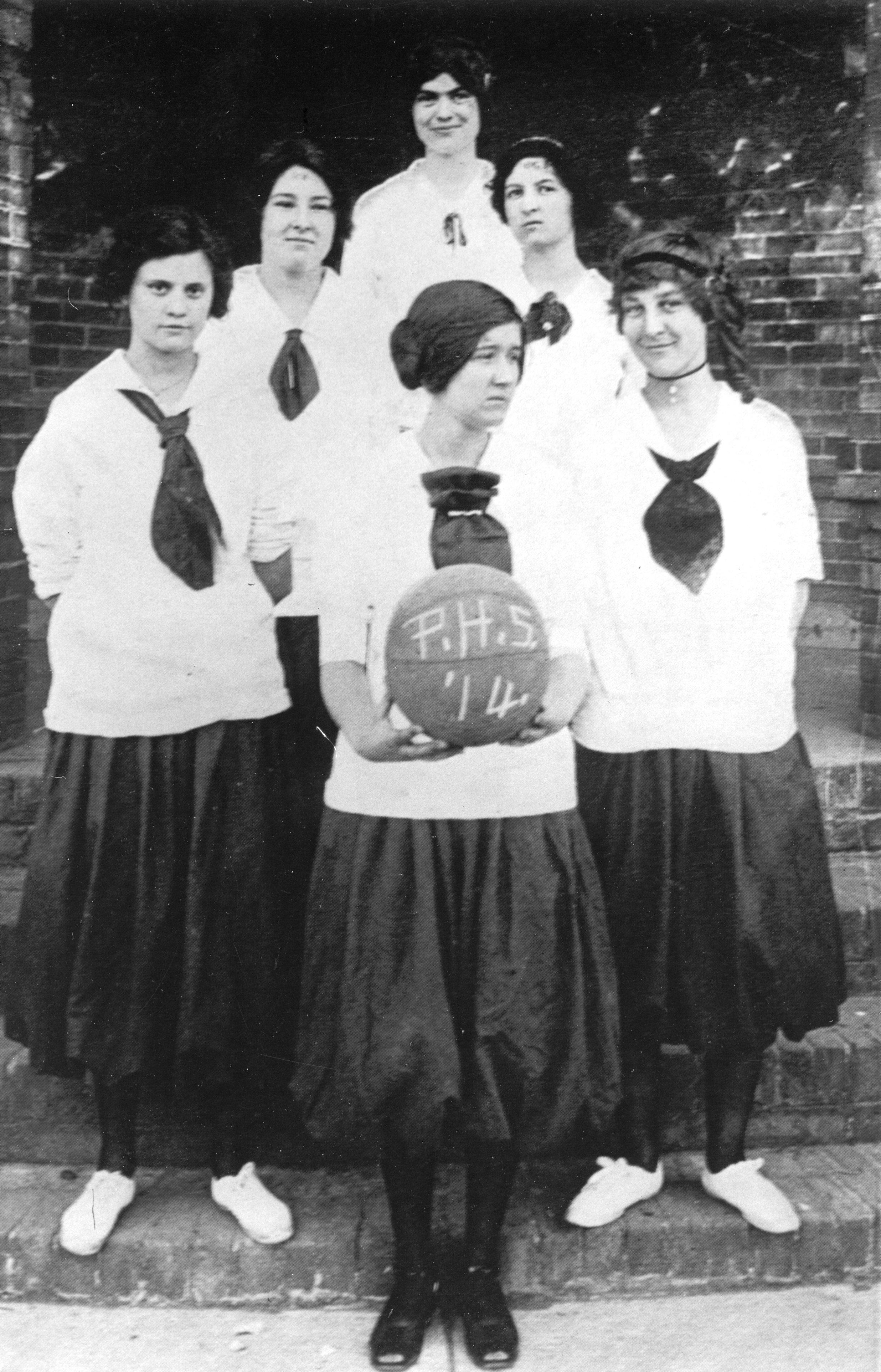 File:Plano High School 1914 girls basketball.jpg