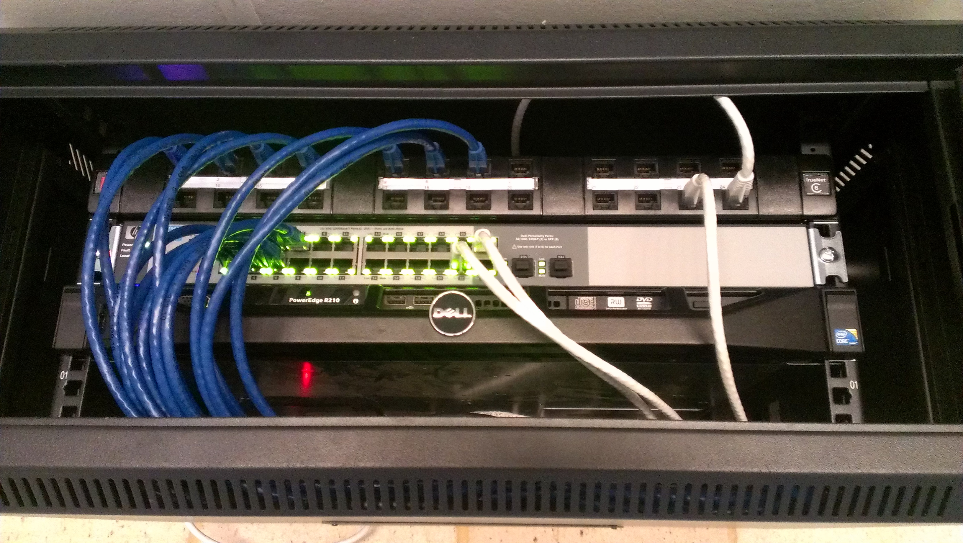 File:Small business (SOHO) network cabinet with equipment.jpg ...