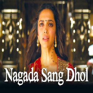 Nagada Sang Dhol song performed by Shreya Ghoshal