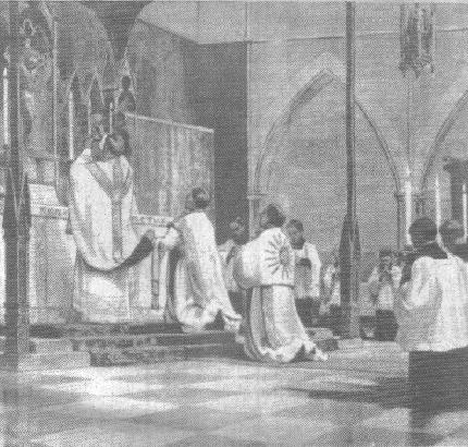 An eastward-facing Solemn High Mass, a Catholic liturgical phenomenon which re-emerged in Anglicanism following the Catholic Revival of the nineteenth century. Tridentine mass.jpg