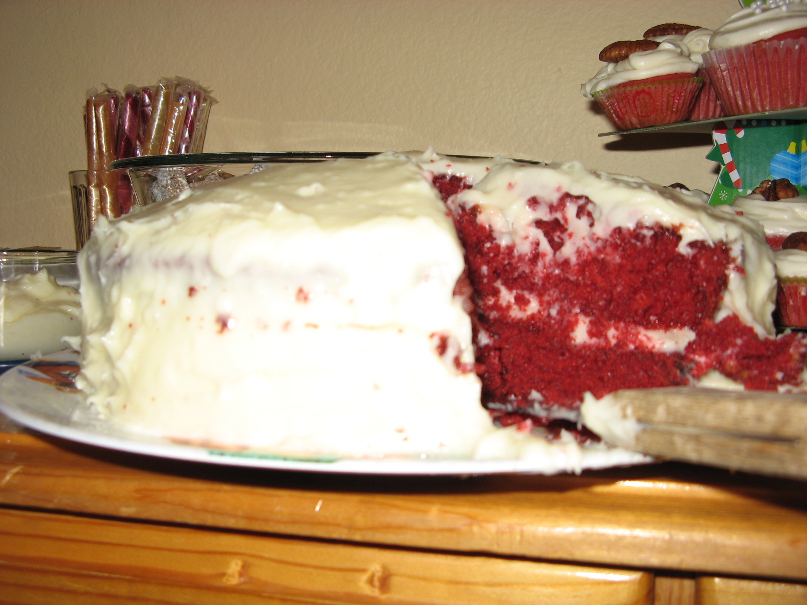 File Homemaderedvelvetcake Jpg Wikipedia
