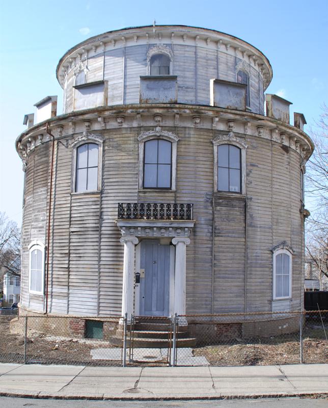 circular manor