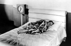 Benchley demonstrating How to Sleep. The short film became his best-known work, and it earned him an Academy Award. Howtosleep.jpg