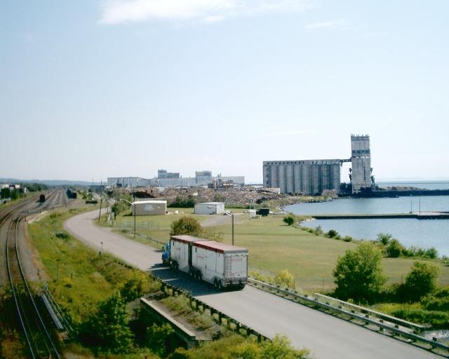 ... Thunder Bay Waterfront Heading North On Marina Drive.jpg - Wikipedia