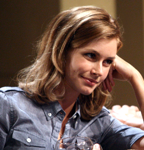 File:Brianna Brown as Lisa.png - Wikipedia