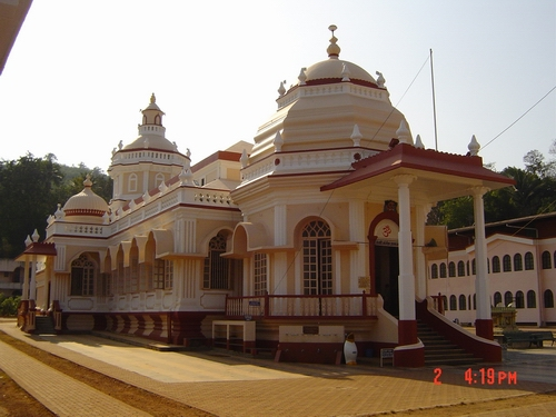 View of Shri Mangeshi Devasthan.