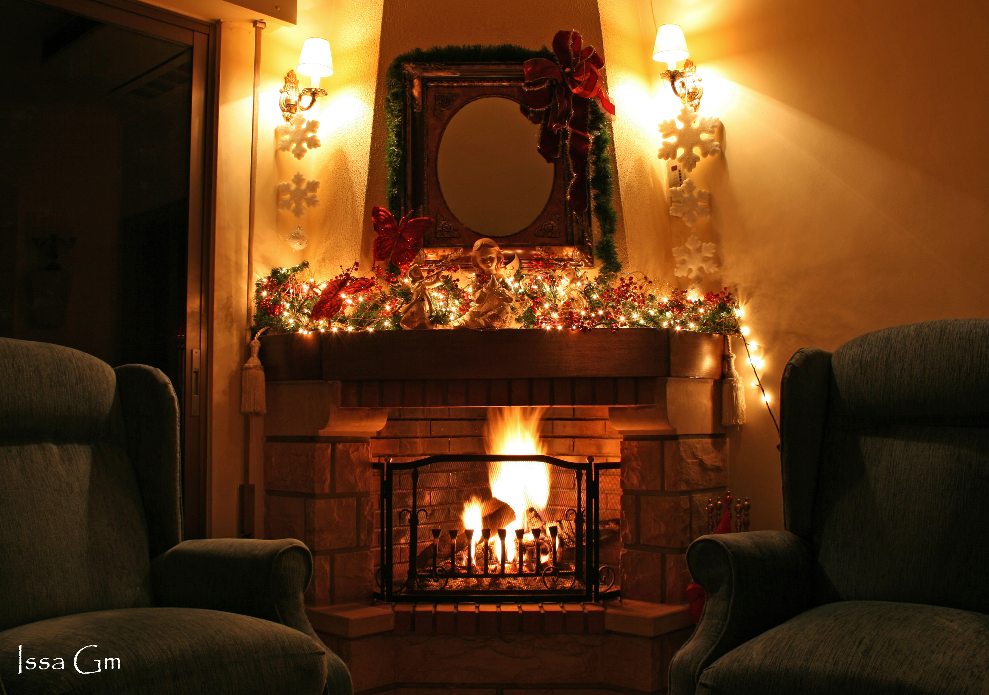 Christmas Fireplace Pictures Images & Pictures - Becuo