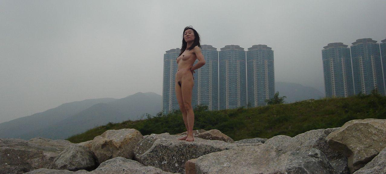 Ruth kadiri goes naked for magazine cover