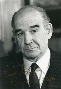 British actor Robert Brown.jpg
