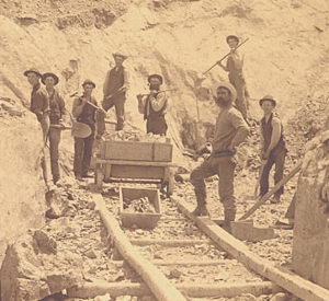 Industrial scale asbestos mining began in 1878 in Thetford township, Quebec. By 1895, mining was increasingly mechanized. Asbestos mining 1876.jpg