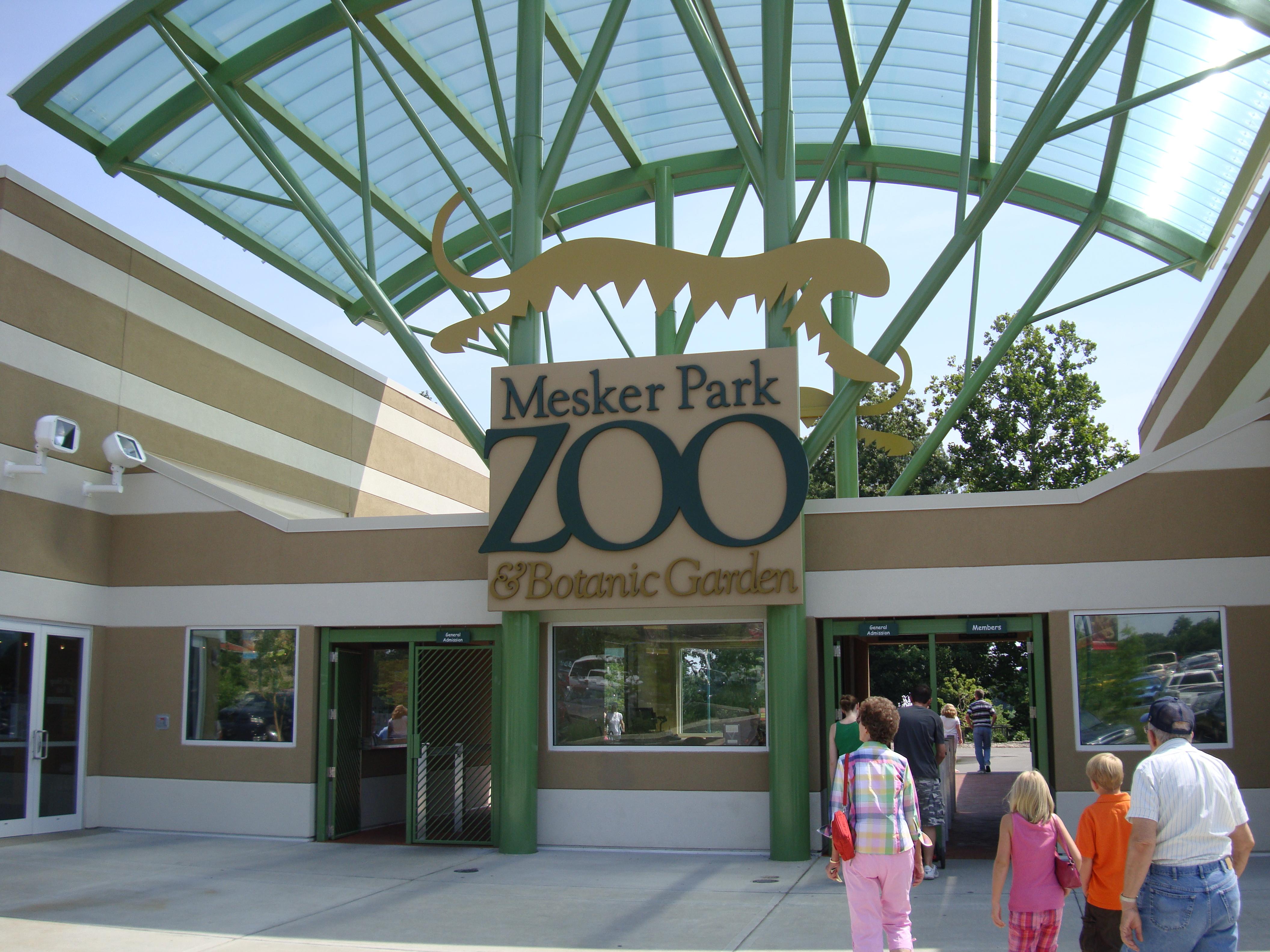 Mesker Park Zoo Priie Dogs