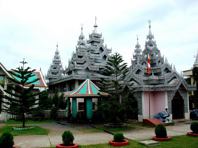 File Buddhist Temple At Wikipedia