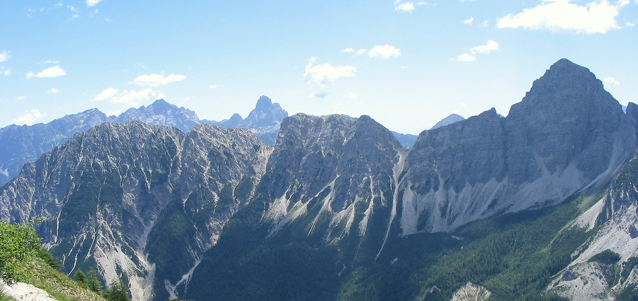 File wikipedia for Where are the dolomites located in italy