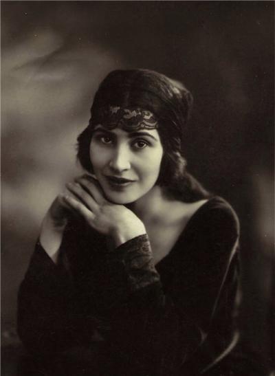 Kathleen garman 1921.jpg