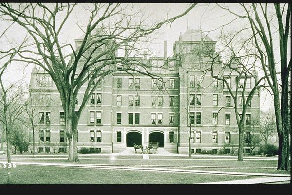 Wadsworth House Harvard. Weld Hall, Harvard Yard.