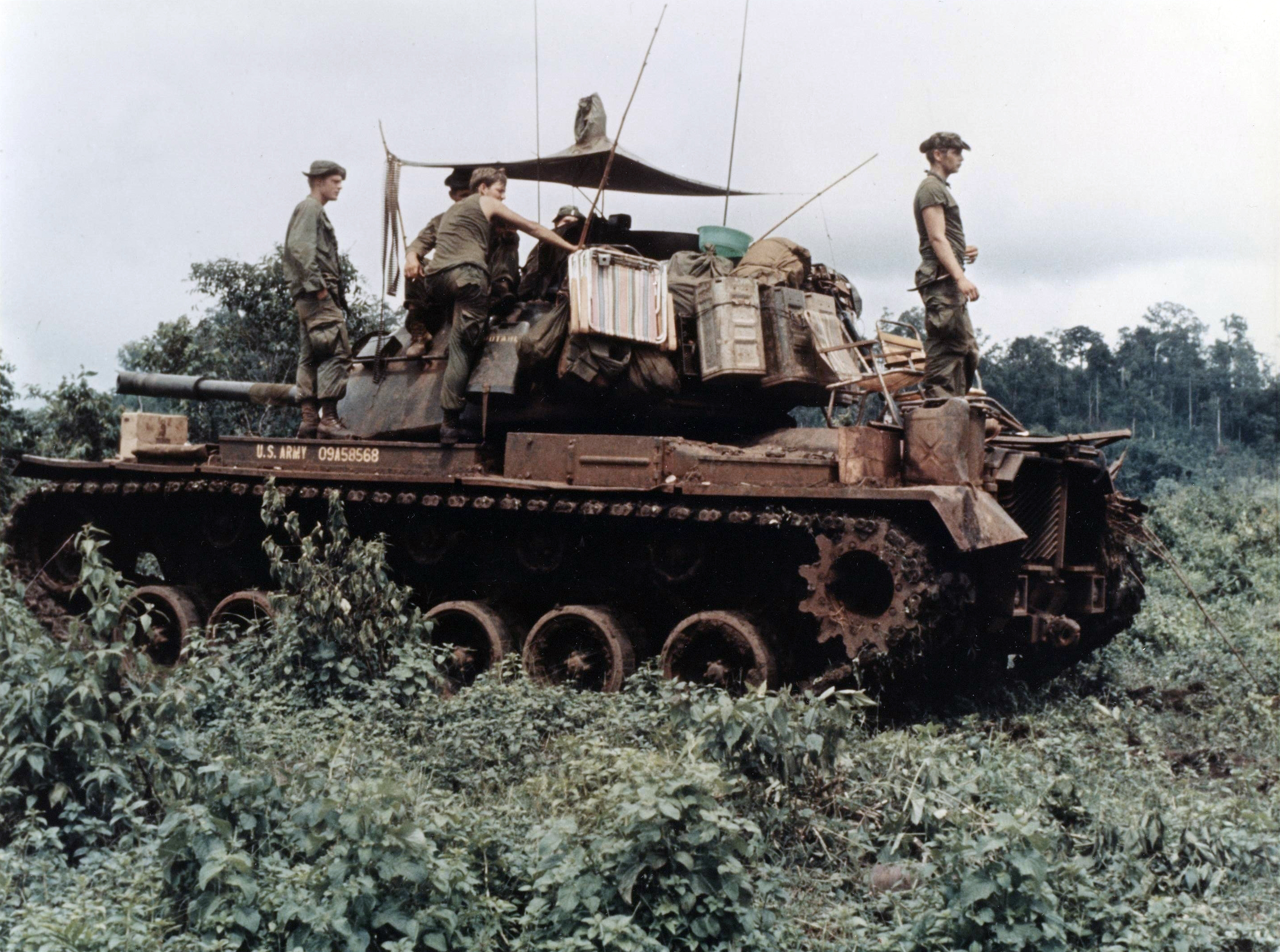 M48 Patton Wikipedia 1995 Ford Xl 4 9 Engine Diagram Men Of Troop B 1st Squadron 10th Cavalry Regiment 4th Infantry Division And Their Tank Move Through The Dense Jungle In Central Highlands