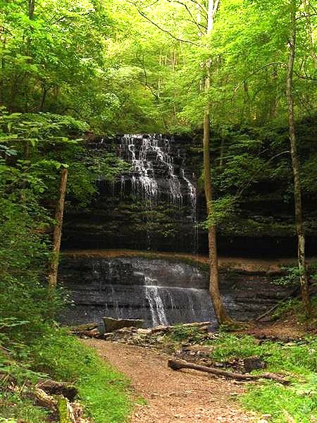 Waterfalls of tennessee for Stillhouse hollow lake cabins