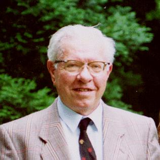 Fred Hoyle British astronomer