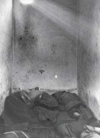 Forced labour camps in Communist Albania - Jail from inside (1947)