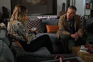 Power Play (Pretty Little Liars) - Hanna talking to Pastor Ted about Charlotte.