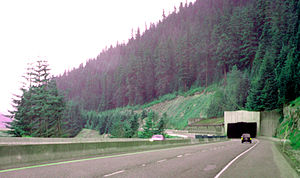 Snoqualmie Pass - Image: Snowqualmie Pass I90 snowshed July 3, 2000