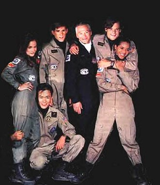 Space: Above and Beyond - Cast (from left to right): Cloke, de la Fuente, Weisser, Morrison, Rowland, Chapman.