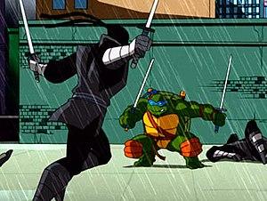 Teenage Mutant Ninja Turtles (2003 TV series) - Leonardo fighting the Foot Clan's ninjas in the 2003 TV series.
