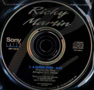 A Medio Vivir (song) - Image: A Medio Vivir single by Ricky Martin